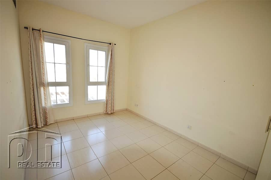 10 B Middle | Opposite pool | Vacant on transfer