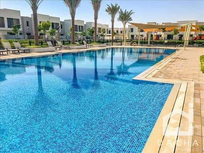 3 Bedroom Villa for Rent in Town Square, Dubai - 6 Chqs. Next To Main Pool. Type 6 - Make Offer