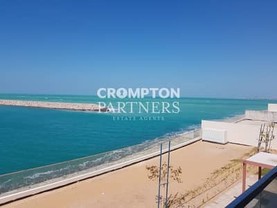 7 Bedroom Villa for Rent in The Marina, Abu Dhabi - Fantastic Beach Villa with Private Pool
