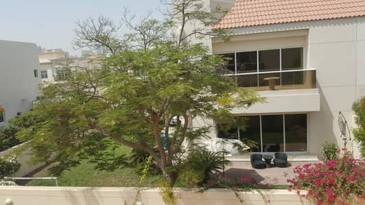 3 Bedroom Villa for Rent in Jumeirah, Dubai - Fully Renovated 3 Br Plus Maid Villa With Beautiful Garden In Jumeirah