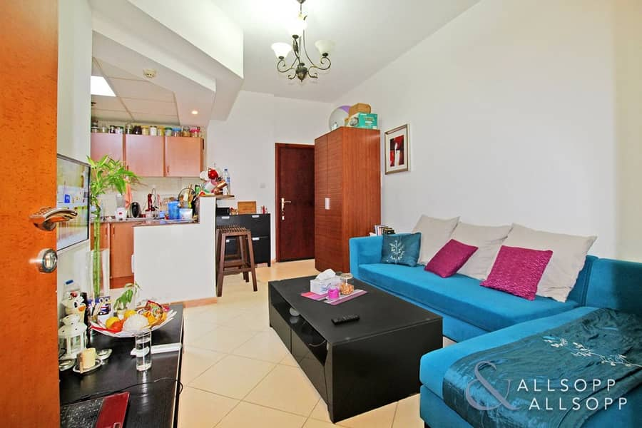 1 Bedroom | Vacant Soon | Close to Metro