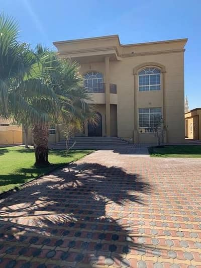 5 Bedroom Villa for Rent in Muhaisnah, Dubai - Villa for rent in Moheisneh 5 master rooms with an extension in a good location