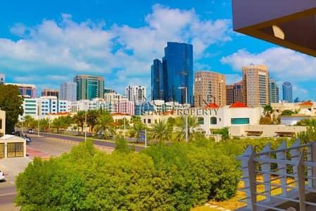 6 Bedroom Villa for Rent in Al Khalidiyah, Abu Dhabi - Modern Villa 6 Master Bedrooms with Parking
