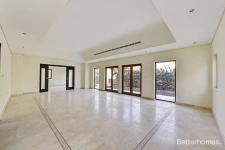 5 Bedroom Villa for Rent in Al Furjan, Dubai - 5BR w Maid Dubai Style Park View Corner.