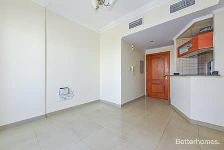 1 Bedroom Flat for Sale in Dubai Marina, Dubai - The bigger size 1 bed room in Manchester Tower