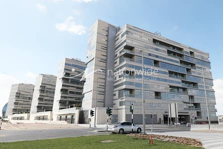 1 Bedroom Flat for Rent in Al Raha Beach, Abu Dhabi - Brand New 1BR Apartment On Prime Location