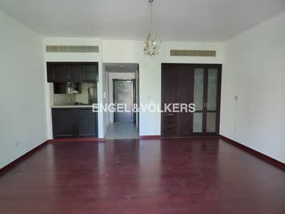 Studio for Sale in The Views, Dubai - Large Layout | Bright | Upgraded Flooring