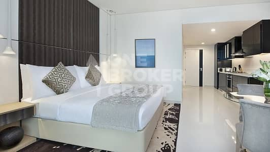 Hotel Apartment for Rent in Business Bay, Dubai - Fully furnished | Studio with Canal Views