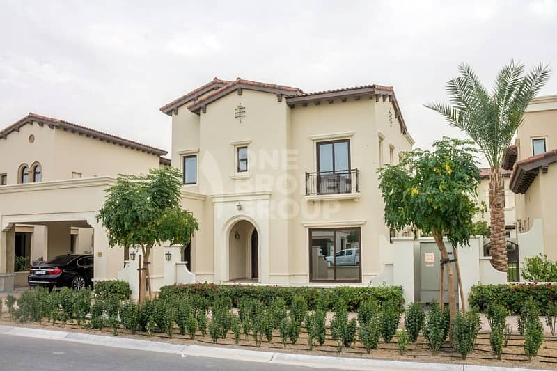 Close to Pool and Park