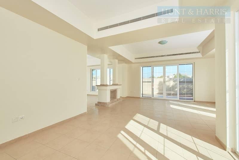 2 Tenanted 4 bedroom - Great Value - Umm Al Quwain Marina