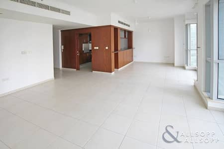 1 Bedroom Apartment for Sale in Downtown Dubai, Dubai - Vacant | 1.5 Bathrooms | Close To Mall<BR/><BR/><BR/>
