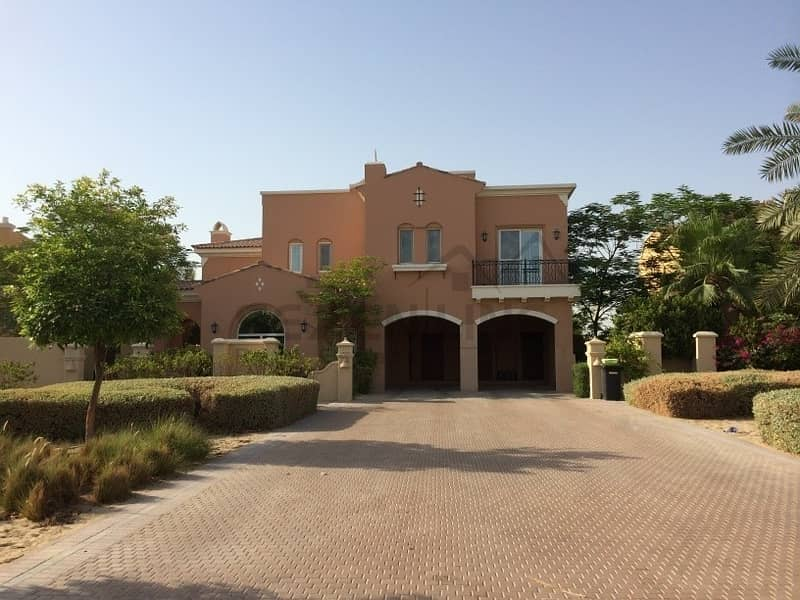 2  Luxury 5 Bedroom Villa with Pool &  Fountain View