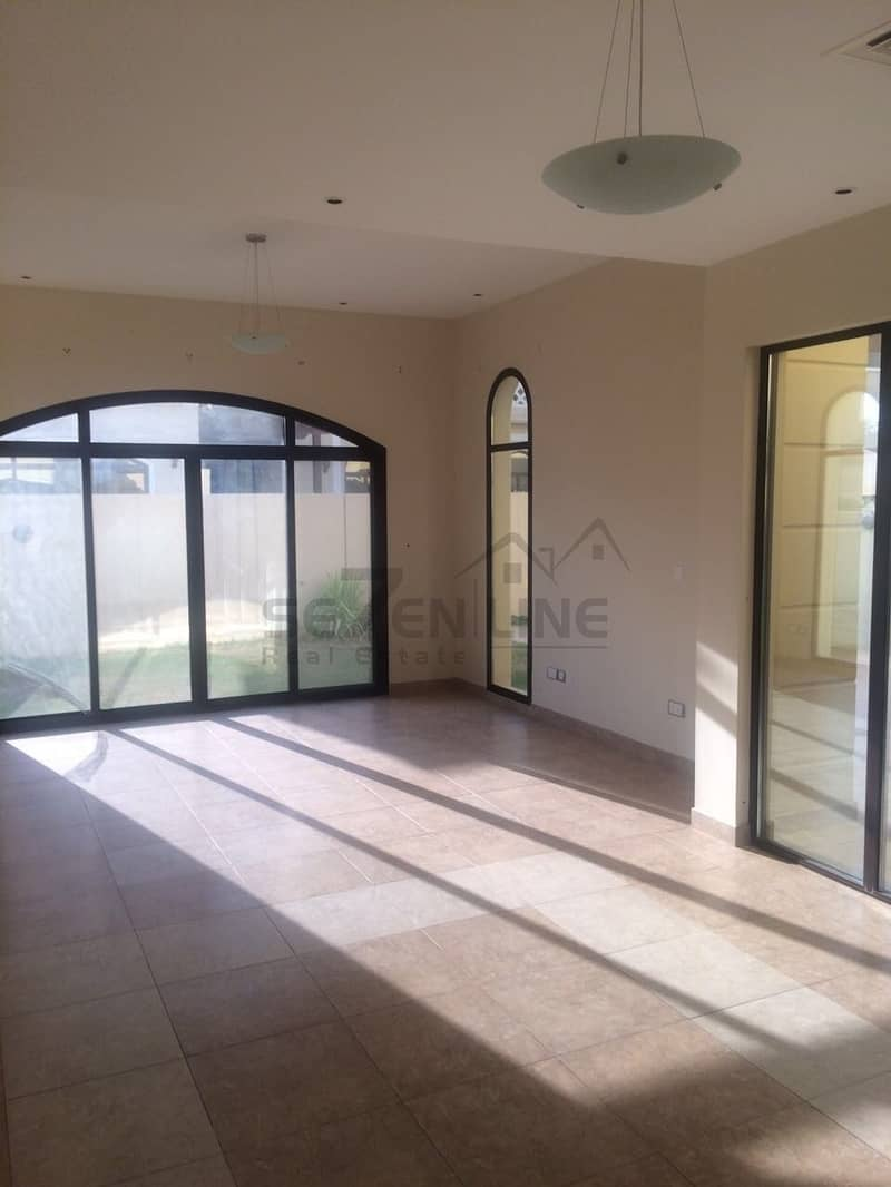 2 Motivated Seller 4 Bed Townhouse in Naseem