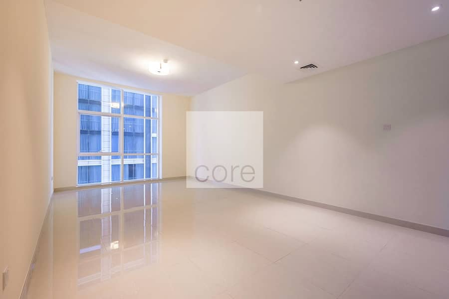 Large 1 Bedroom  Brand New  1 Month Free