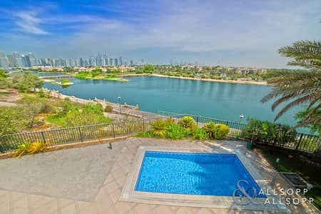 4 Bedroom Villa for Sale in Jumeirah Islands, Dubai - Extended | Open Plan | Lake Skyline View