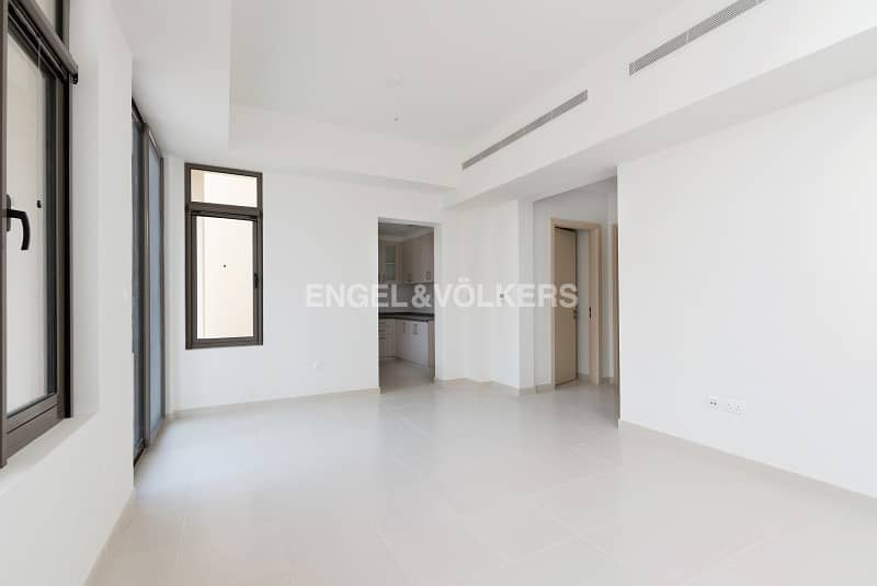 2 Spacious 3BR + M | Next to Park and Pool