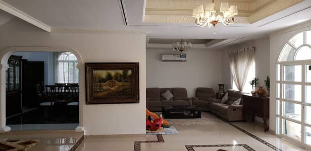 5 Bedroom Villa for Sale in Deira, Dubai - Huge 5-bedroom villa for sale | Abu hail