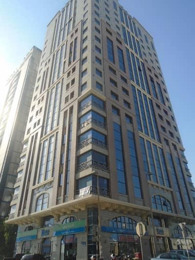 شقة في شارع النجدة 1 غرف 50000 درهم - 3865711