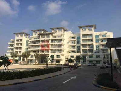 3 Bedroom Apartment for Rent in Jumeirah Heights, Dubai - Specious 3 bedroom with lake view