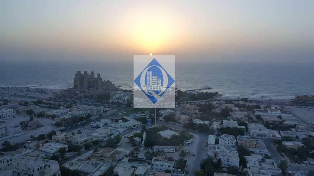 2 000 AED with Sea View and Maids Room)