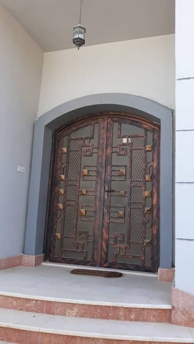 Awesome Duplex Villa 4BHK Majlis Maid's room Store room for rent located at Al Jimi area Al Ain
