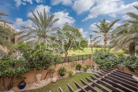 فیلا 5 غرفة نوم للبيع في البحيرات، دبي - Extended and Upgraded E1 Backing onto Green Area