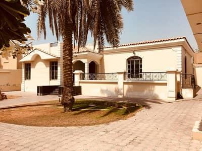 Sharjah (shamnan) 4 bedroom villa with swimming pool (plot area 10000SqFt)