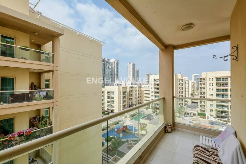 10 Exclusive  Pool view  New to market  Bright