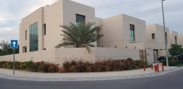 5 Bedroom Villa for Rent in Meydan City, Dubai - Burj View Corner 5 BR  Maid Driver room with Pool and Garden for 290k
