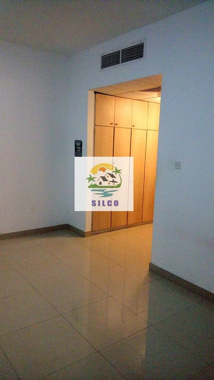 1 CENTRAL A/C STUDIO FLAT IN MADINAT ZAYED FOR 35K