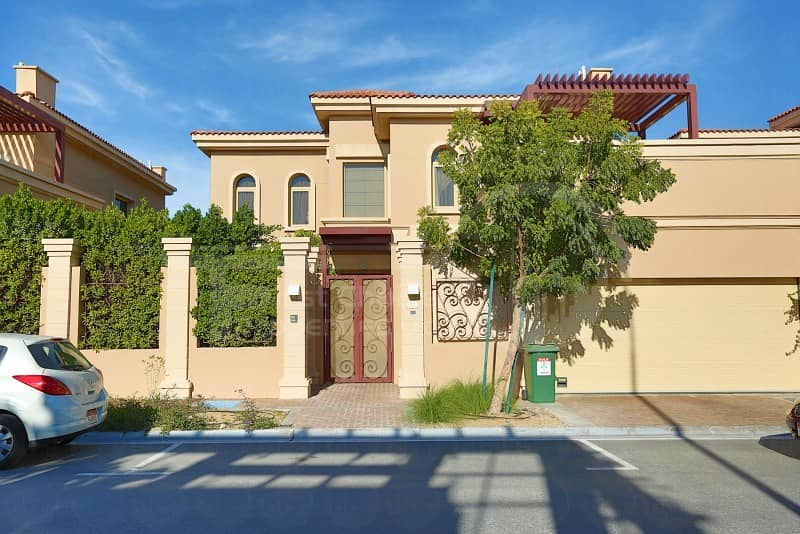 Buy Now!!Gorgeous Villa in Golf Garden!!