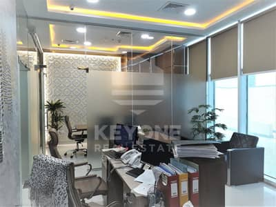 Shop for Rent in Business Bay, Dubai - Oxford Tower | Fully Fitted with Glass Partition