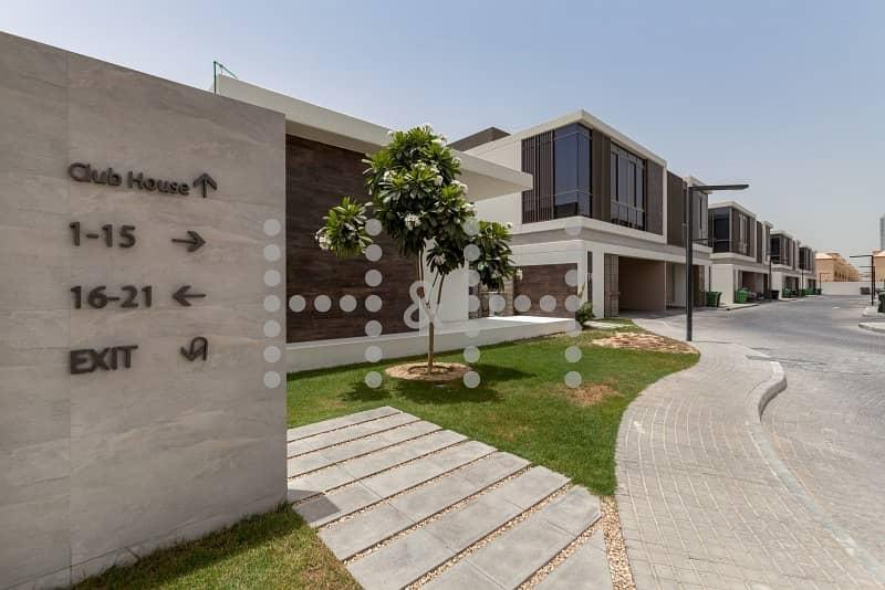 Contemporary Villa near Novatel Hotel