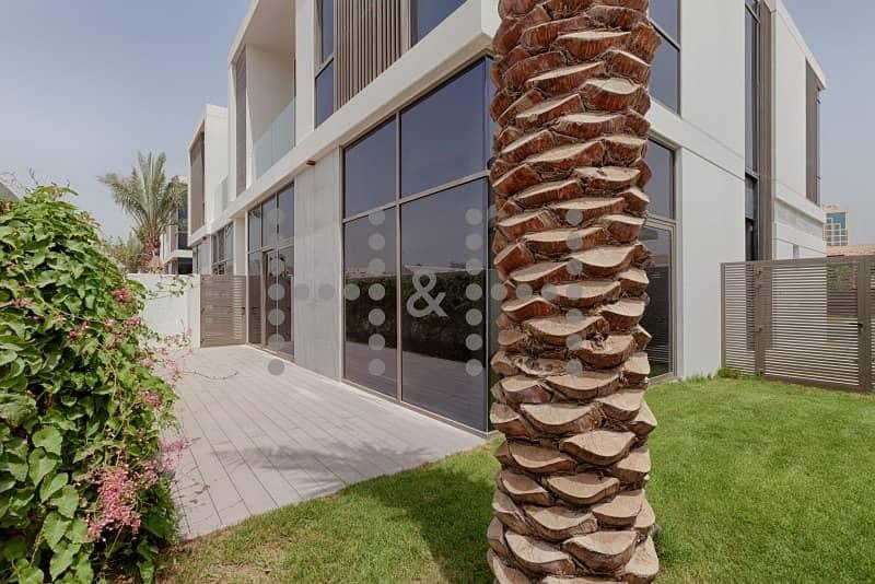 14 Contemporary Villa near Novatel Hotel