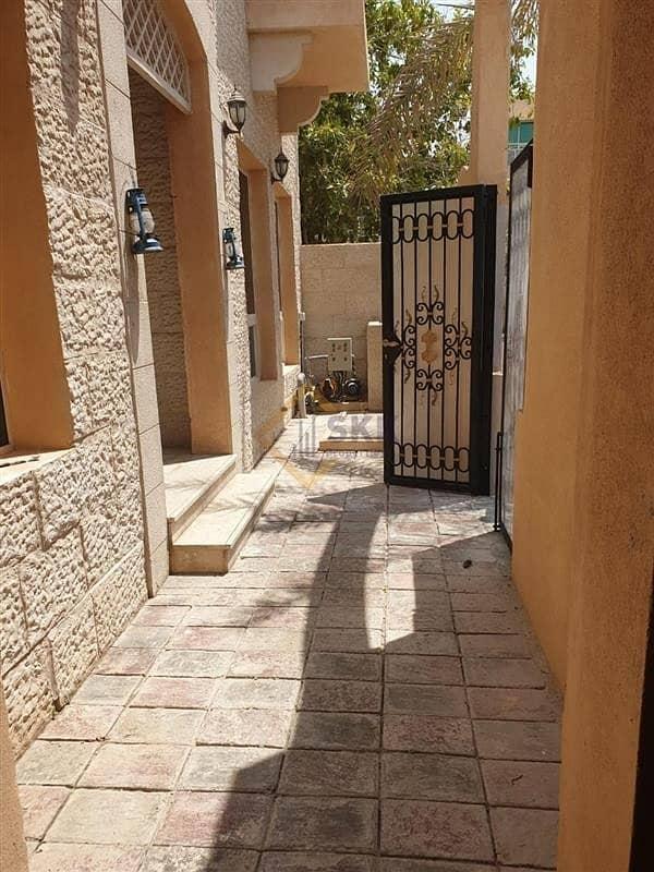 10 Corner 3+M villa in Mushrif Garden compd