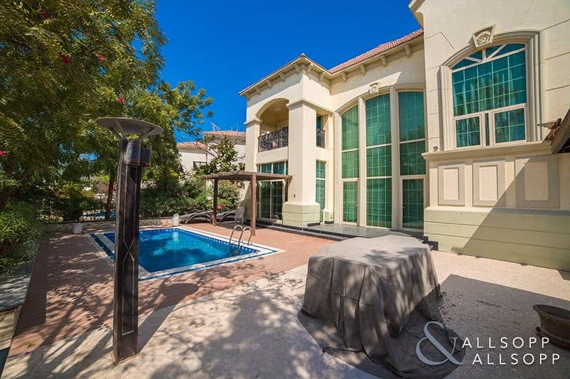 2 French Riviera | Garden Hall | Lake View
