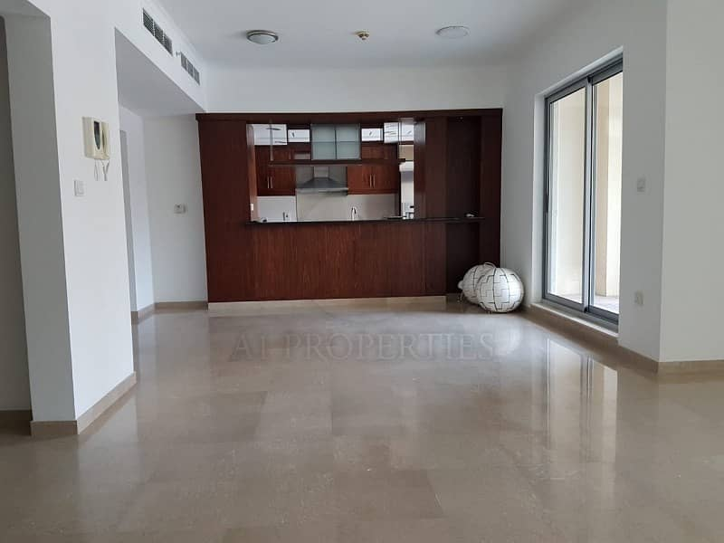 2 Huge and Neat 3BR Duplex Podium Villa