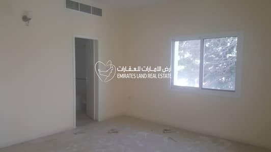 4 Bedroom Villa for Rent in Al Falaj, Sharjah - Villa for rent in Al Falaj in Sharjah