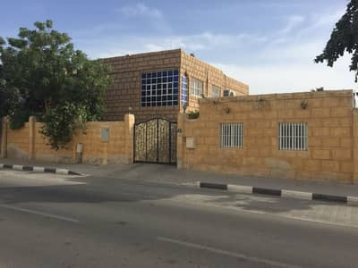 5 Bedroom Villa for Rent in Al Hazannah, Sharjah - FULLY FURNISHED 5 BHK villa with huge majlis, living dining, lawn, Split A/C, covd parking, 6 baths