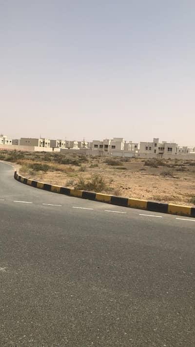 ارض سكنية  للبيع في براشي، الشارقة - للبيع أراضي سكنية بمساحات مختلفة في منطقة البراشي - الشارقة