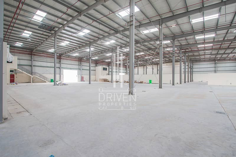 SPACIOUS WAREHOUSE FOR RENT IN DIC