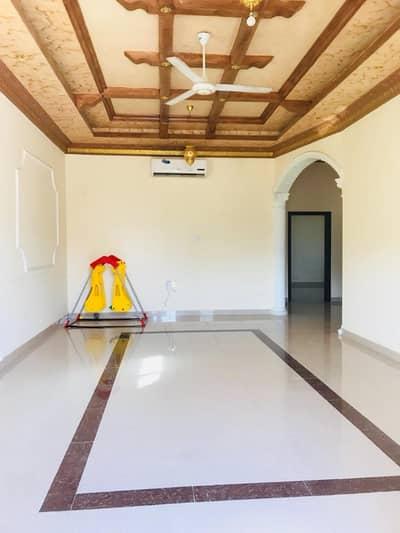 فیلا 5 غرفة نوم للايجار في المویھات، عجمان - فیلا في المویھات 5 غرف 80000 درهم - 3861777