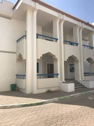 Excellent 6 BHK with covered parking in Al Khabisi