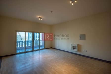 Large Studio | Family Building | Easy Access