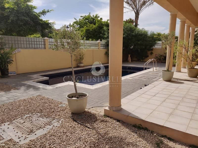 Buy property in The Villa 5-beds + swimming pool