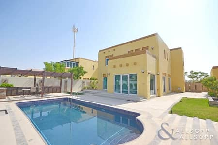 3 Bedroom Villa for Sale in Jumeirah Park, Dubai - Upgraded | Swimming Pool | Heritage<BR/><BR/>