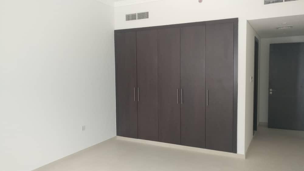 شقة في بناية وصل هب الكرامة 1 غرف 67000 درهم - 3562313