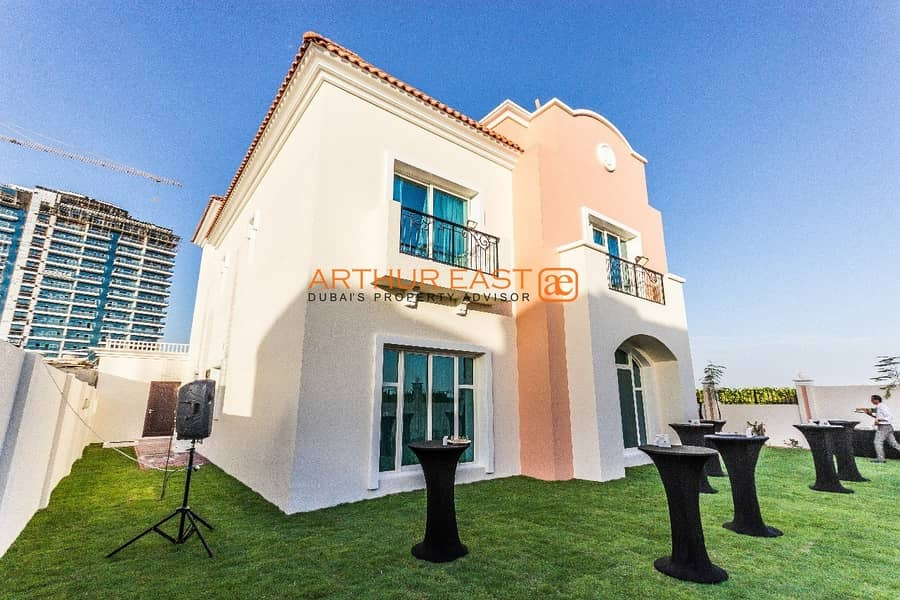 12 Brand New 5 Bedroom Family Home Villa