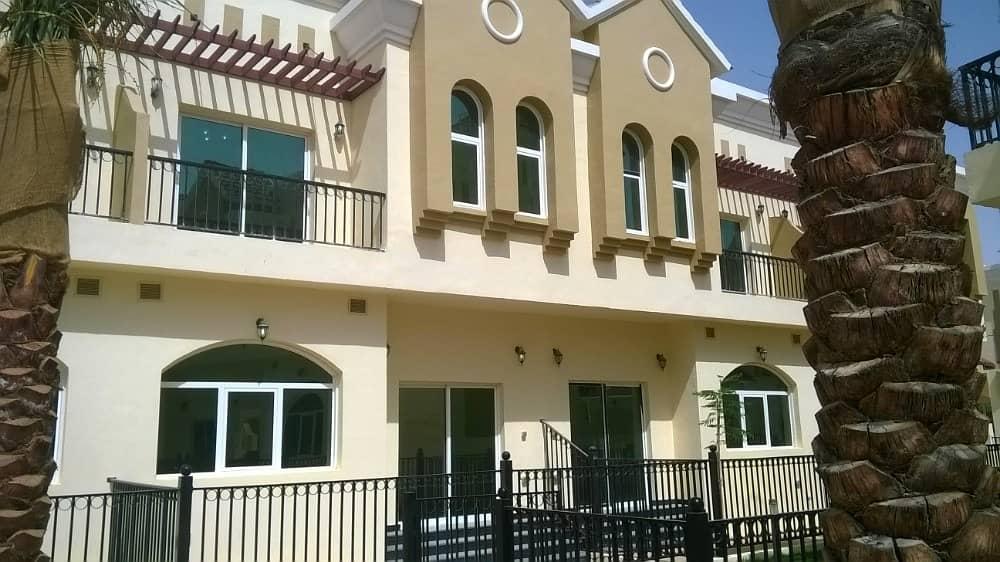 فیلا في صحارى ميدوز مجمع دبي الصناعي 3 غرف 58000 درهم - 3851486
