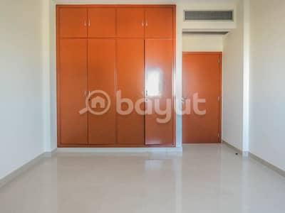 فلیٹ 3 غرفة نوم للايجار في شارع الشيخ زايد، دبي - Spacious and Luxurious Three Bedroom Available in Sheikh Zayed Road